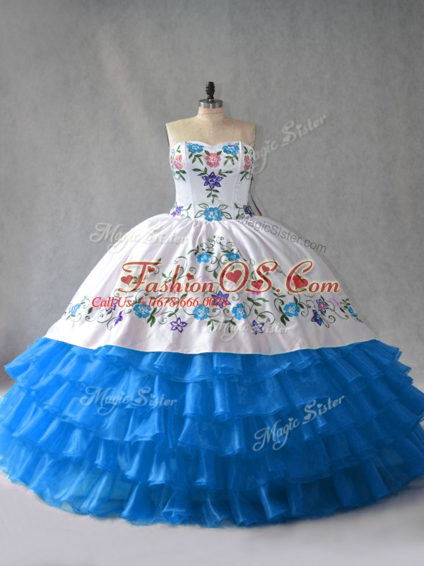 Best Selling Floor Length Blue And White Vestidos de Quinceanera Organza Sleeveless Embroidery and Ruffled Layers