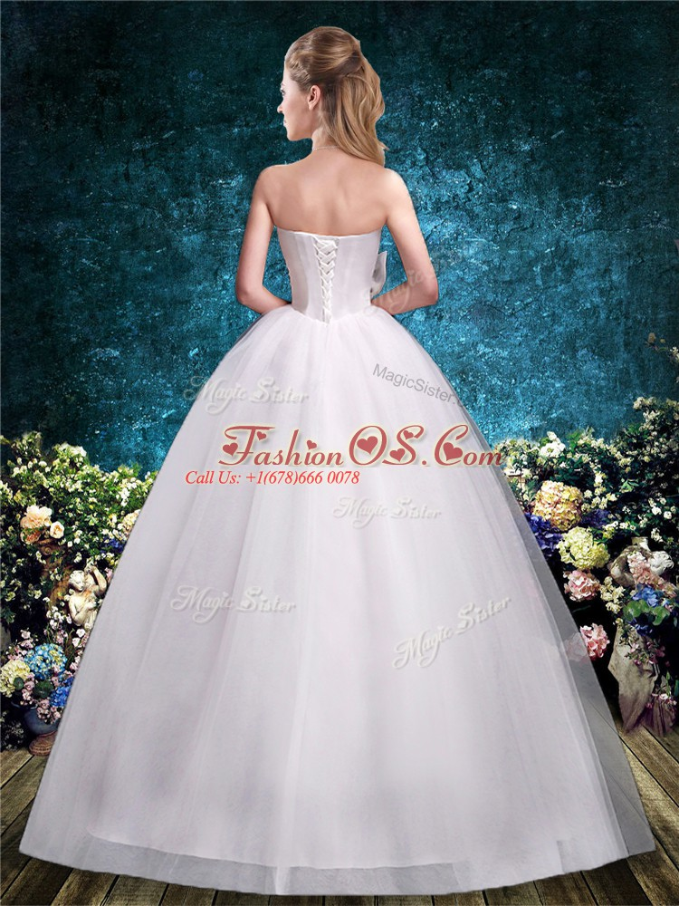 Glamorous Ball Gowns Wedding Gown White Sweetheart Tulle Sleeveless Floor Length Lace Up