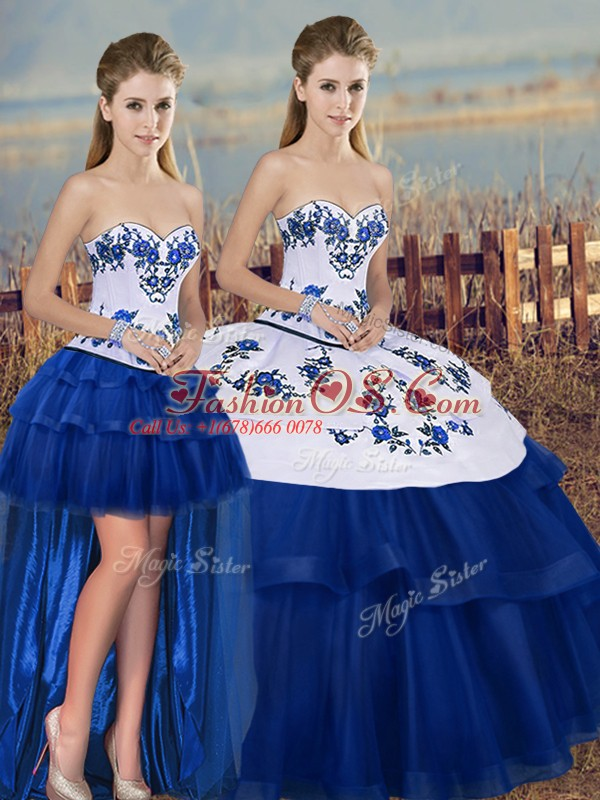 Fantastic Sleeveless Embroidery and Bowknot Lace Up Quince Ball Gowns