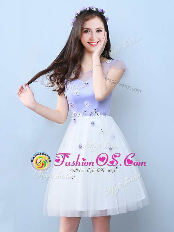 White Sleeveless Appliques Knee Length Dama Dress for Quinceanera