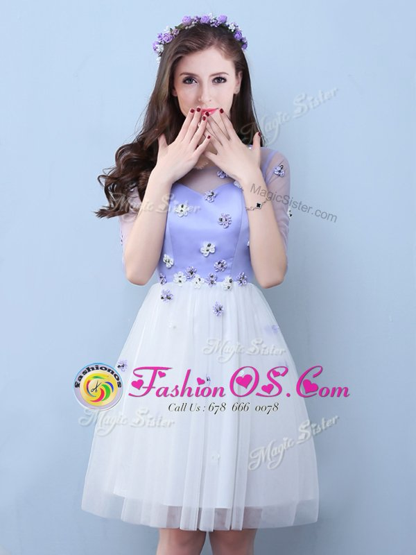 White Sleeveless Appliques Knee Length Dama Dress for Quinceanera