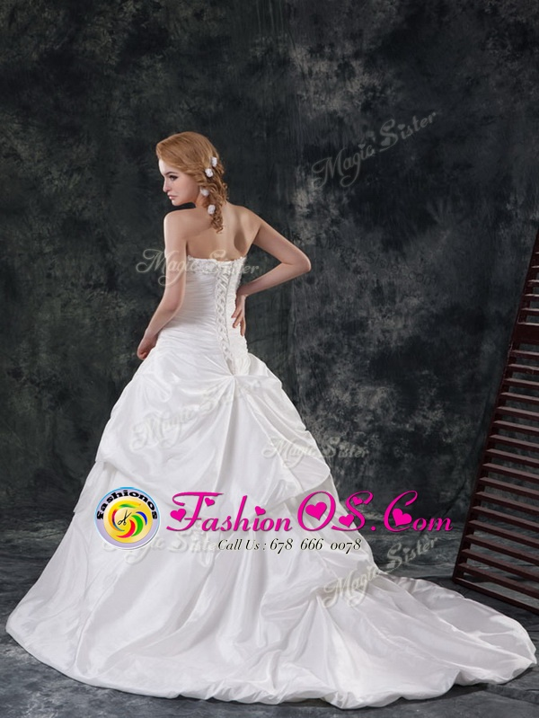 Luxurious White A-line Sweetheart Sleeveless Taffeta With Brush Train Lace Up Beading and Appliques and Pick Ups Wedding Dresses